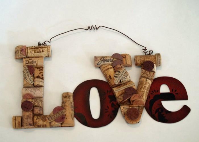 Sculpture Love en liège de KristinRebecca