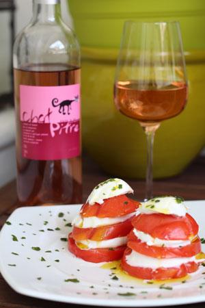 Rosé-Chat-Pitre-+-Tomates-Mozzarella